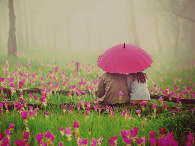 images/esemenyek/lovely_couple_in_rain_romance.jpg