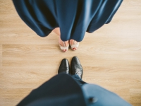 images/esemenyek/thumbnails/suit_couple_blue_shoes.jpg